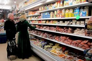 Shoppers-in-Kalinka-Queensway